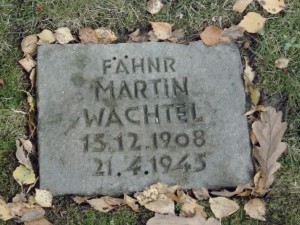 Martin O. Wachtel, Helgoländer Widerständler, Grabplatte, Cuxhaven Brockeswalde (Foto A. Friederichs)