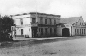 Quickborn - Holsteinischer Hof, Kieler Straße / Marktstraße, ca. Anfang 1930er Jahre (Foto: Willi Grodthoff)